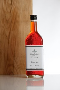 Blutwurz (tormentil liqueur) 0.7 l